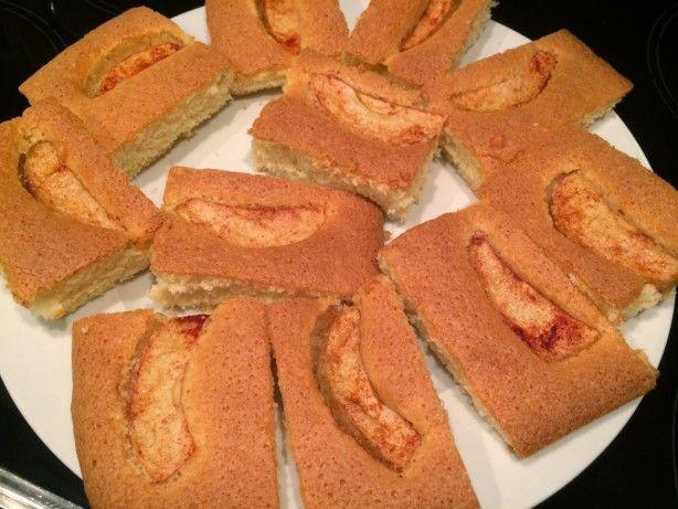 Noorse Appelcake, plaatcake met appel. Gaat erin als koek. Zie bij de bron de stap-voor-stap fotoblog