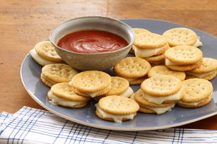 Fast and easy after school snack!Party Appetizers, Kraft Recipes, Kid Snacks, Kraft Food, Parties Appetizers, Schools Snacks, Snacks Ideas, Baking Mozzarella, Mozzarella Bites