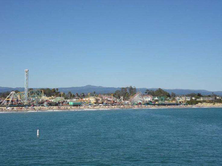 Santa Cruz representa a la perfección al típico pueblo playero de California. Se encuentra situada en el borde norte de la bahía de Monterrey