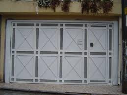 Resultado de imagem para portoes modernos para garagem