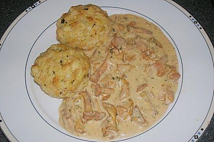 Eierschwammerlgulasch mit Serviettenknödel (Rezept mit Bild) | Chefkoch.de