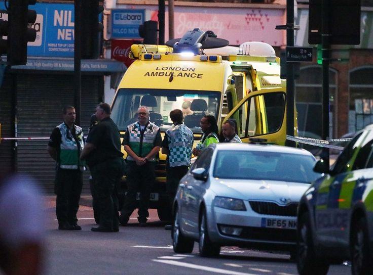 Londra'da bir minibüs camide kılınan teravih namazından çıkanların arasına daldı. Terör saldırı olarak değerlendirilen olayda 1 kişi hayatını kaybetti, 10 kişi yaralandı.