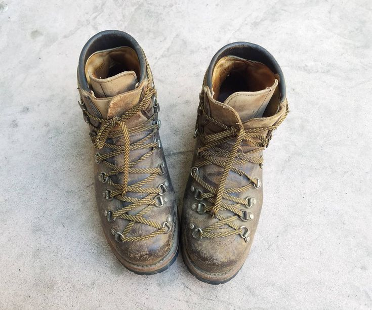 Vintage Mens 7 Vasque Hiking Boots Work Boots Distressed Biker Ankle Boots Trail Boots Leather Hightops Heavy Duty Mountaineering Boots Moto by Ramenzombie on Etsy