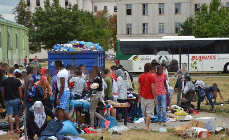 Bundesbetreuungsstelle Traiskirchen: Die Flüchtlingseinrichtung ist völlig überfüllt und steht vor einem Aufnahmestopp. Derzeit haben rund 2200 Flüchtlinge nicht einmal ein Bett.