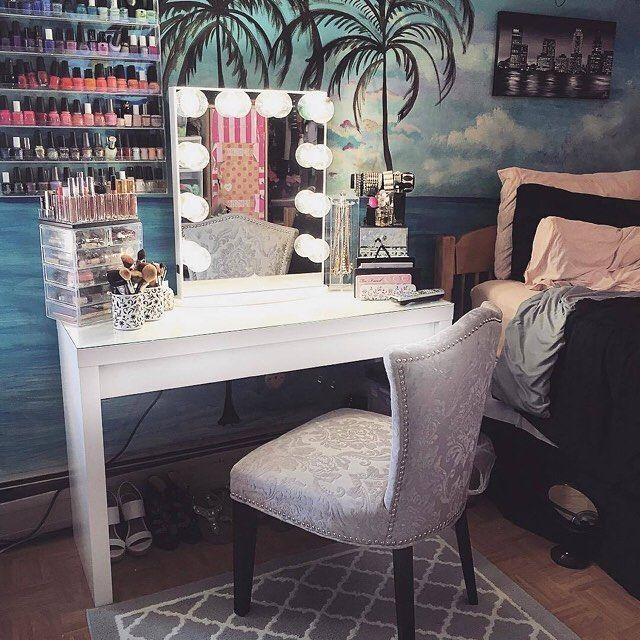 Vanity paradise!  Loving @valeriepac's beautiful tropical escape! Who else is ready for summer?  #vanityparadise #vanityinspo #summer  Featured: #ImpressionsVanityGlow  IKEA Malm desk