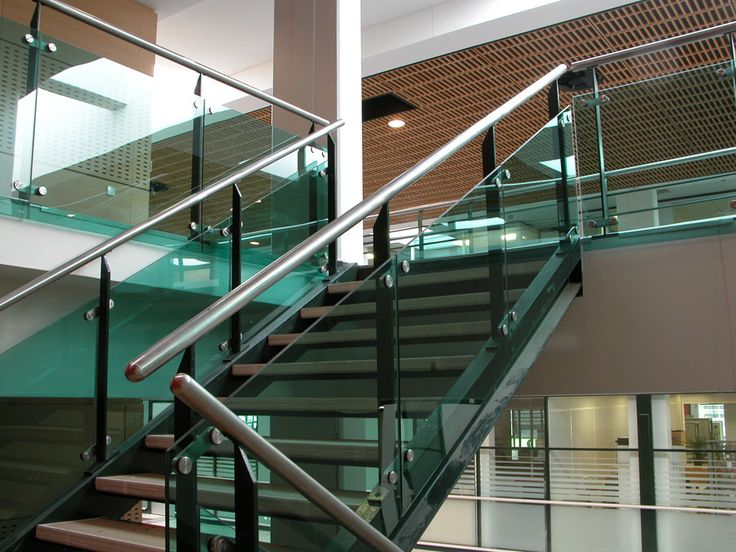 Výsledek obrázku pro sadev glass railing
