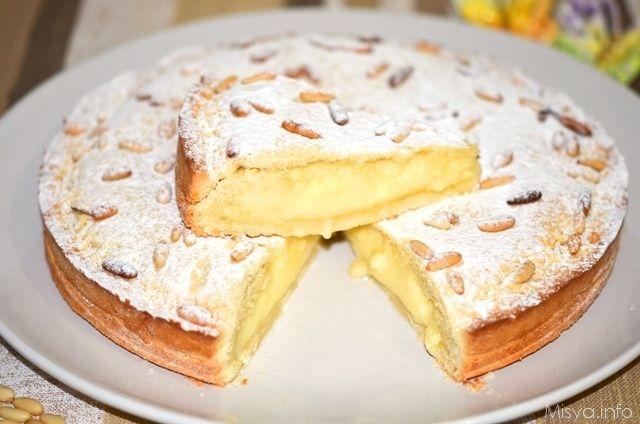 La torta della nonna è un dolce semplice, della tradizione italiana, in particolare ligure e toscana, composto da un guscio croccante di pasta frolla ripieno di morbida
