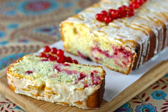 Red Currant and Poppy Seed Cake recipe by Daisy's World