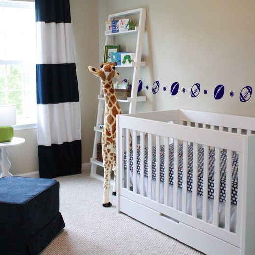 Your son's room can look stylish with this rugby and tennis ball strip set to frame the room. This will also last for a few years as it will work equally well for your bigger boy, so no need to change this soon!  Size: 4 parts of 120cm wide x 13.13cm high Total Length when combined: 480cm wide x 13.3cm high