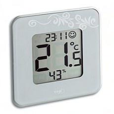 Fraaie thermo-/hygrometer. Vooral de luchtvochtigheid is belangrijk: tussen de 40-60%.