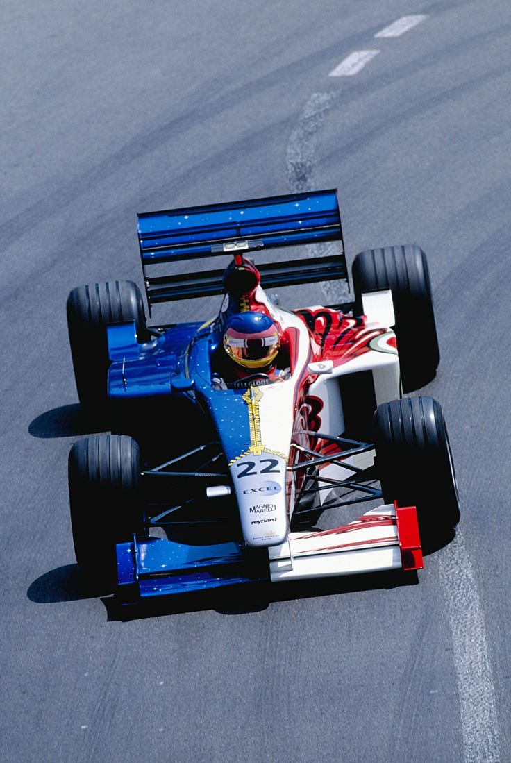 Jacques Villeneuve's BAR - 1999.  Interesting approach to the illegal dual livery issue.