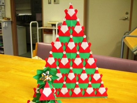 "Blog origami quack craftsman: ""origami tree Santa (Christmas Tree)"""