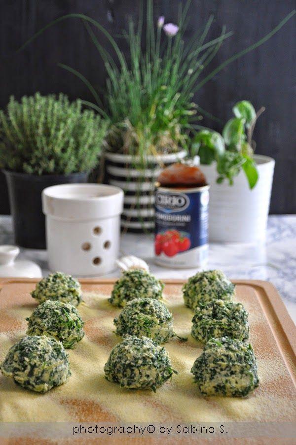 Due bionde in cucina: Gnudi di ricotta e spinaci con salsa di pomodorini #pomodoro #ricetta #recipes #tomato #recipe #italianrecipe