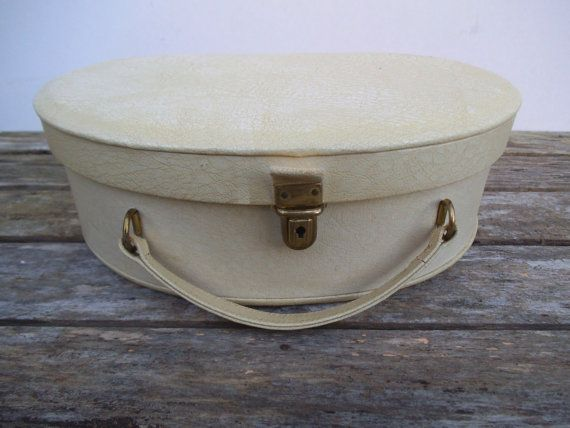 Cream Vanity Case with Red Satin Look Lining. by VintageLoulabelle
