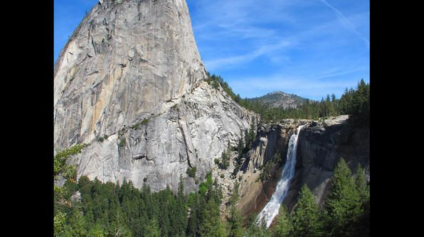 Within a small glacial valley (Little Yosemite Valley), you�ll find Nevada Fall. The 594-foot waterfall owes its name to its location � it�s the nearest waterfall to the Sierra Nevada mountain range. Meanwhile, the Native American name for it is Yo-wy-we, meaning �wormy� water, signifying the twists of the falling water.