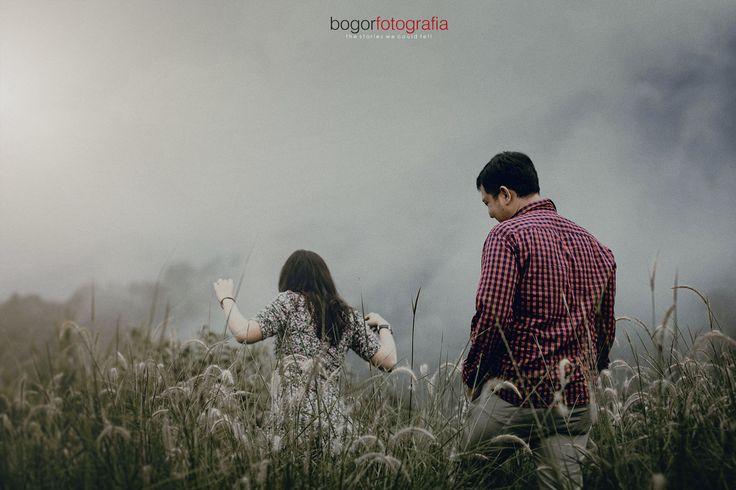 This is work by  bogorfotografia http://www.bridestory.com/bogorfotografia/projects/lucy-tian-prewedding