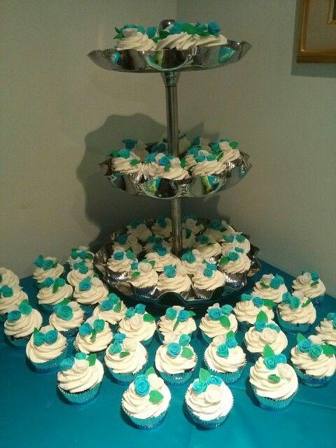 Mis quinceaños #FIESTA #fiesta #cupcakesDely #tortaspersonalizadas