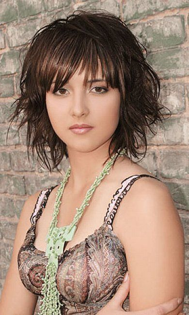 Mid Length Layered Hairstyles | Medium length layered hairstyles with bangs
