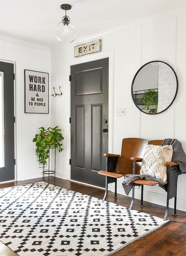 Vintage Modern Mudroom With Simple Fall Touches Modern Vintage Decor Mudroom Decor Modern Vintage Homes