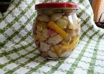 Hříbky se zeleninou ve sladko kyselém nálevu