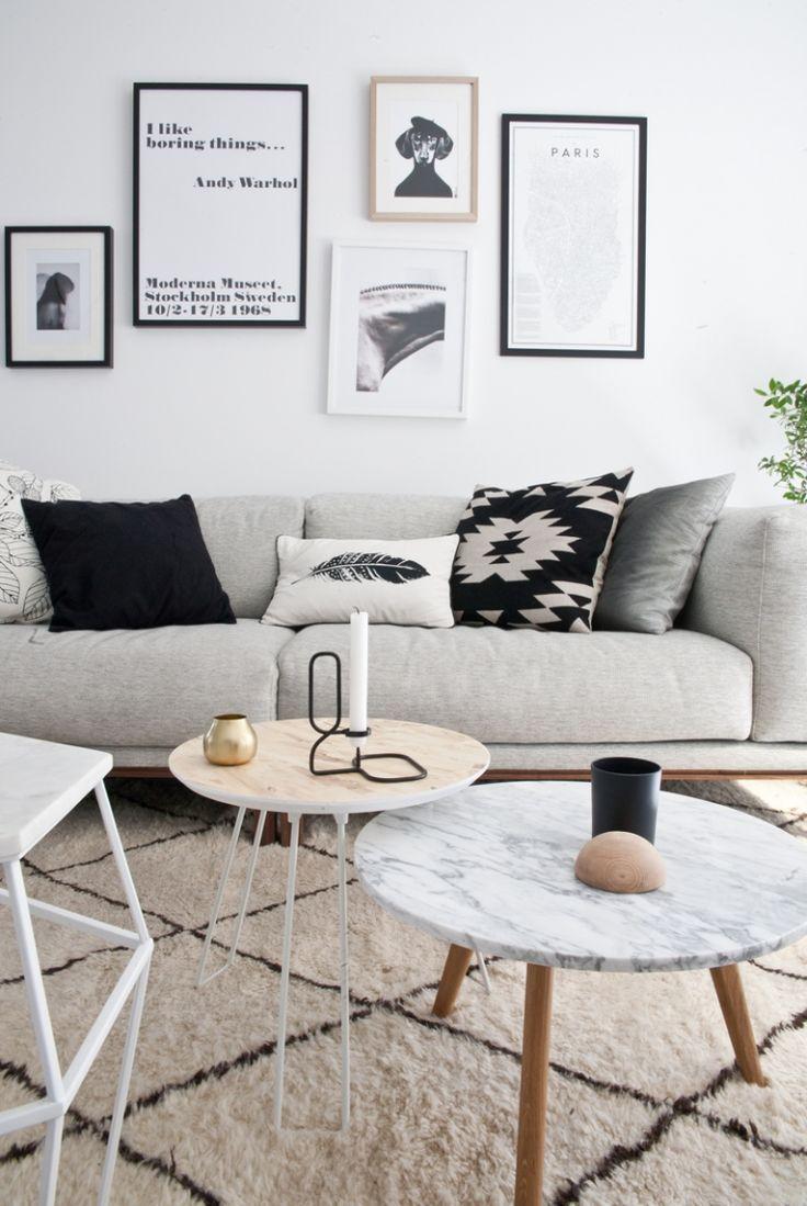 Sala Com Decoracao De Quadros Sofa Cinza E Almofadas Que Combinam