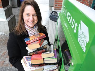 Barrie's Green Reads expand to GO stations - Green Reads owner Dana Clarke is doing a second pilot project in Barrie for her used book vending machines.