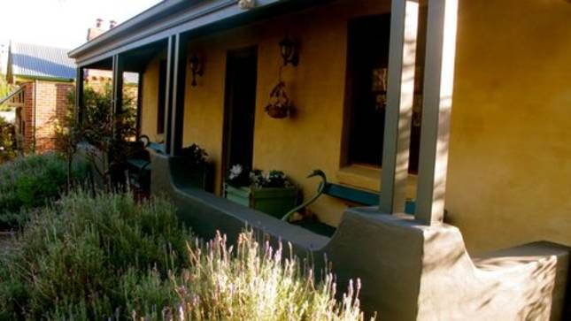 Lavender Cottage in historic, a Berrima House   Stayz