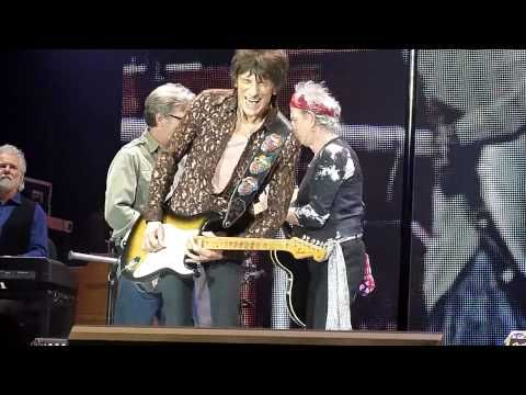 The Rolling Stones feat Eric Clapton - Champagne and Reefer - O2 London, 29 Nov 2012