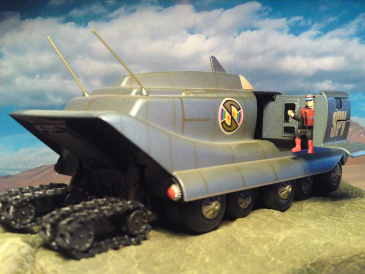 Captain Scarlet SPV - Spectrum Persuit Vehicle with Tracks Down