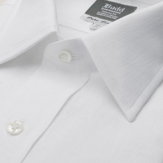 Our classic white linen shirt in our more contemporary tailored fit.