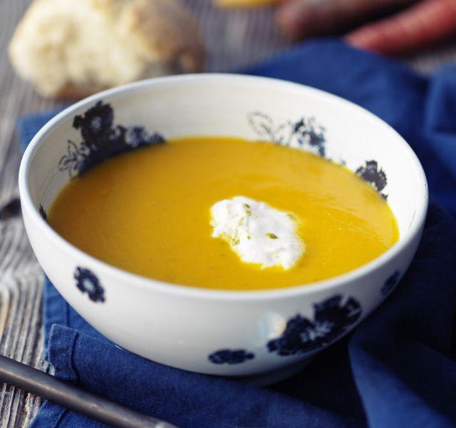 Morotssoppa med curry och ingefära