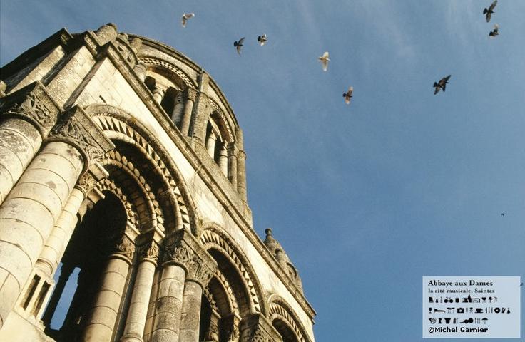 Du clocher de l'Abbaye aux Dames, un beau panorama sur toute la ville de Saintes s'offre à vous ! http://www.abbayeauxdames.org http://www.facebook.com/abbayeauxdames