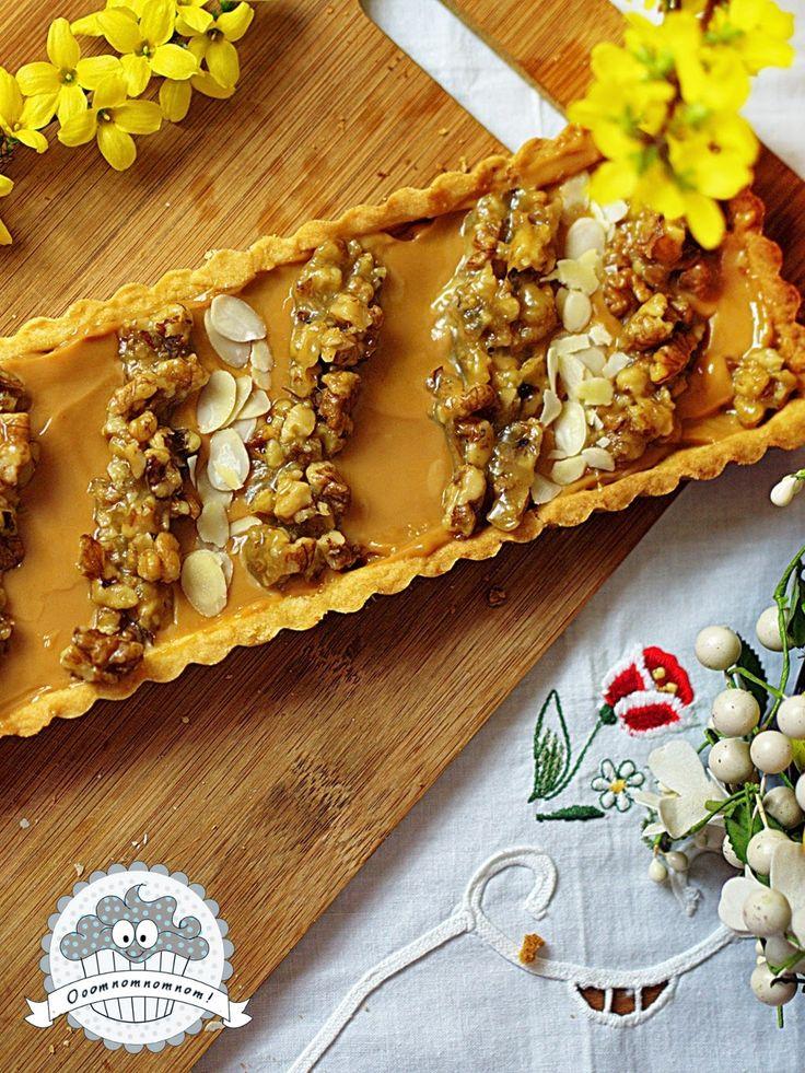 Ooomnomnomnom !: Wielkanocny mazurek kajmakowy z orzechami w miodzie