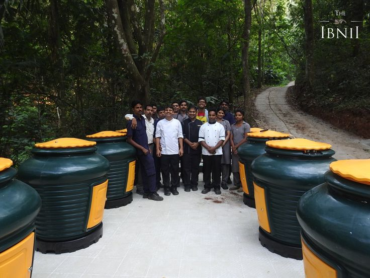 When we embraced the #dailydump aagas. Managing today's waste well for a healthy tomorrow. #TheIbnii_Coorg #ecoresort #ecoluxe #luxuryresort #resort #retreat #ecohotel #surrendertonature