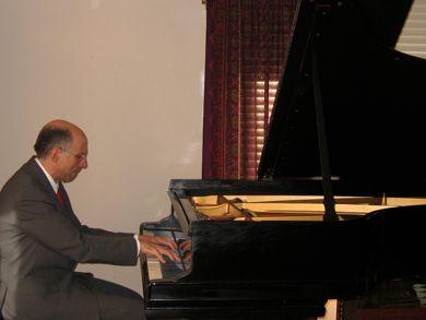 Abe Minzer, pianist