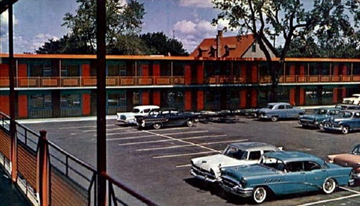 Ottawa Ontario,  The Parkway Motor Motel, 475 Rideau St 1960