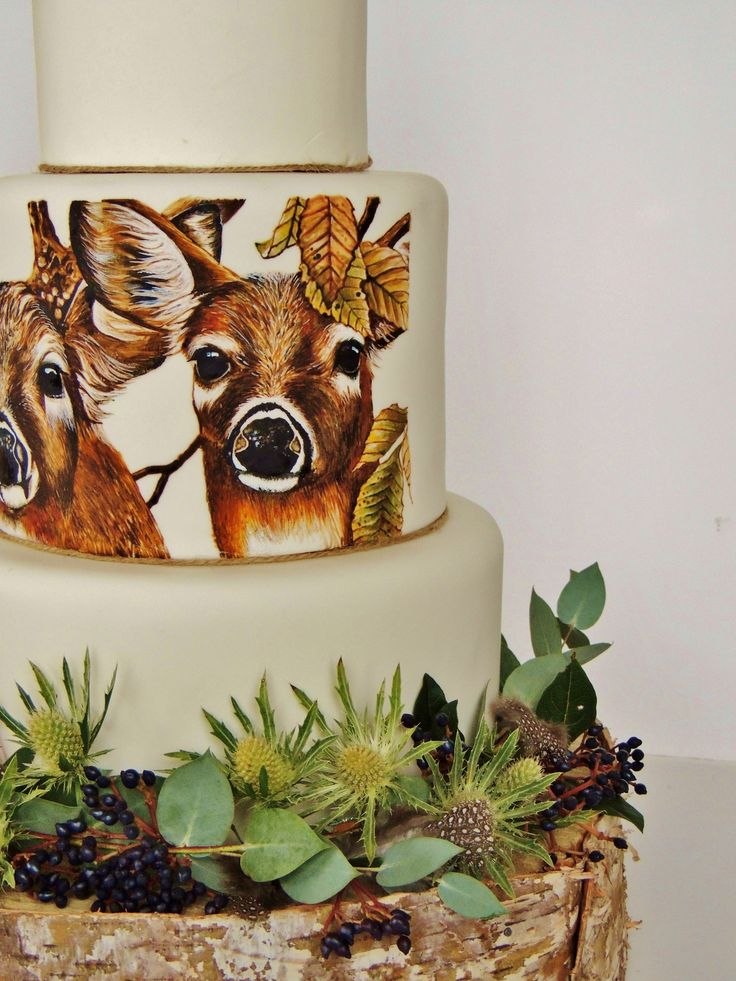 Hand Painted white tailed deer wedding cake made by Sweet Deer Hand-Painted Cakes     http://sweetdeer.co.nz/