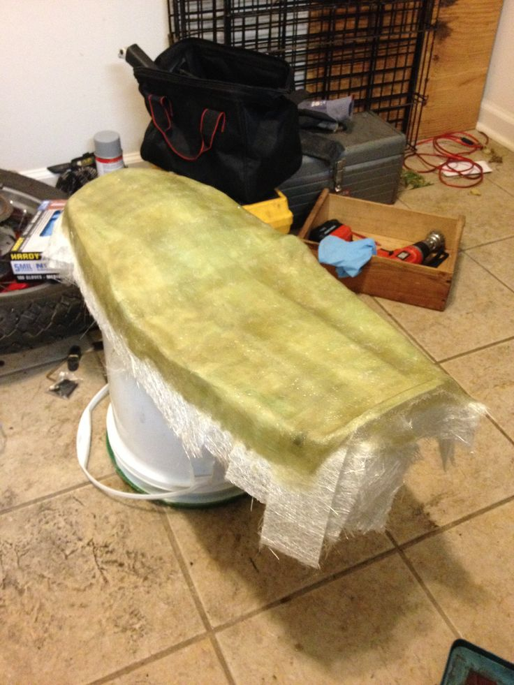 making a new fiberglass seat pan for the cb360