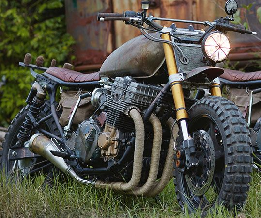 Prolong your survival after the zombie apocalypse begins by evading the undead in true badass fashion on Daryl's motorcycle from The Walking Dead. His iconic chopper jumps off the screen and onto the real world as it's recreated right down to the smallest detail.
