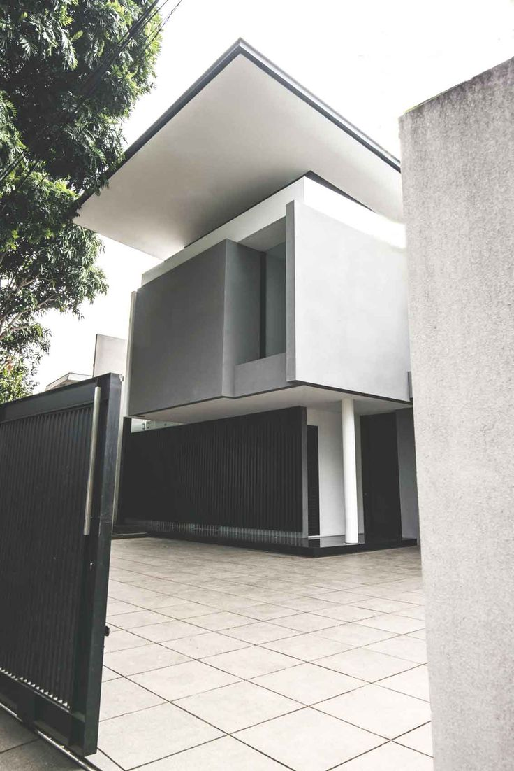 Project: BK House Image 8 Location: Bandung, Indonesia Site Area: 511 m2 Building Area: 470 m2 Design Phase: 2011 Construction Phase: 2011 - 2013  #architect #bandung #jakarta #architectindonesia #archdaily