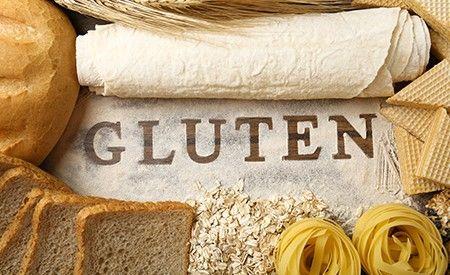 Gluten steht im Verdacht, massgeblich an der Entstehung der autoimmunen Schilddrüsenerkrankung Hashimoto Thyreoiditis beteiligt zu sein. Eine glutenfreie Ernährung ist bei Autoimmunerkrankungen daher oft der erste Schritt in Richtung Heilung.