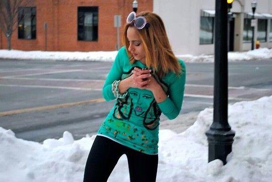 G Boutique Mint Green Or Coral Link Bracelt, G Boutique Glasses - Let it snow! - Selena Gonzalez