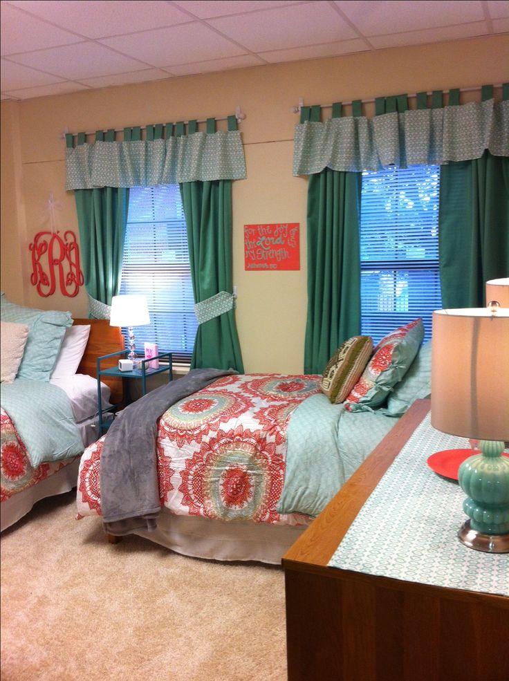 Baylor dorm room (as in OLE MISS dorm room)