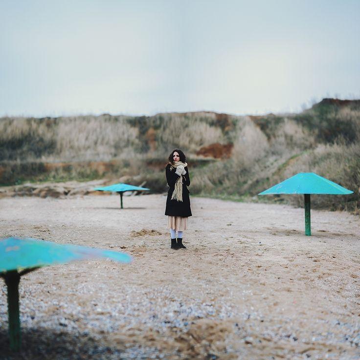 Art & Creative Art & Creative okeyteam kate troyan photo girl portrait woman mushrooms sand autumn