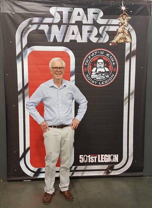 """ The NEW Boba Fett action figure! Now with 100% more Jeremy Bulloch! @501stLegion @KraytClan @mandomercs #SLCC16 http://pic.twitter.com/9jBCiO95aD — AlpineGarrison (@AlpineGarrison) September 6, 2016..."