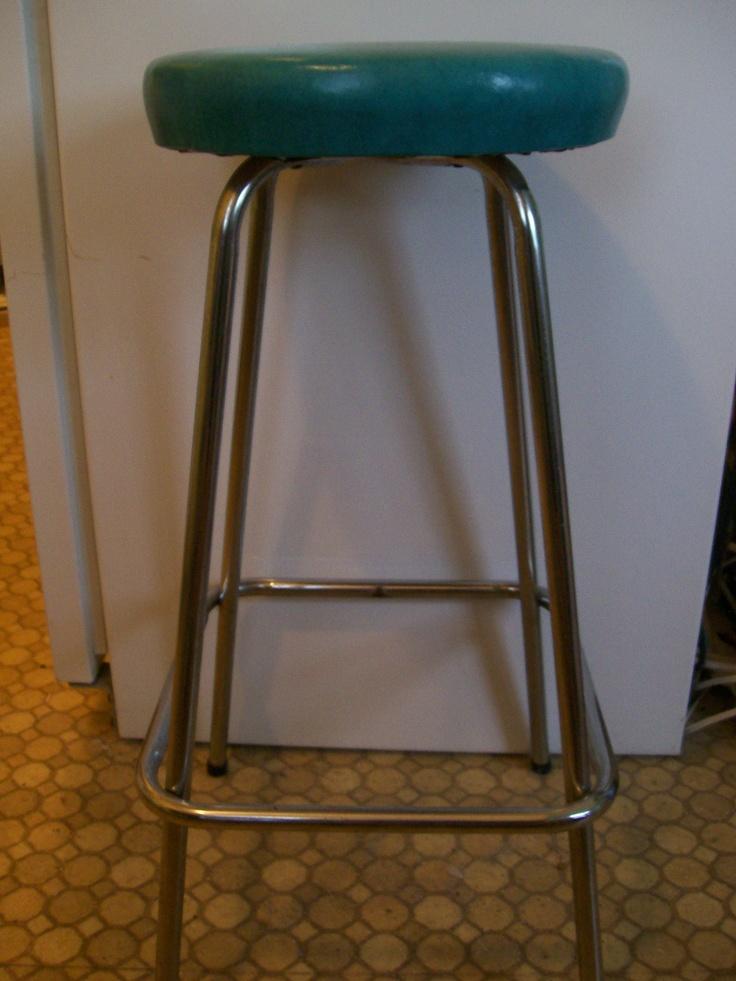 Turquoise vinyl bar stool MY VINTAGE FINDS Pinterest : 70a8f463f8e5dbcc354520ea8ac42f25 from pinterest.com size 736 x 981 jpeg 188kB