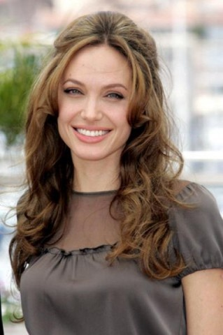 Angelina Jolie Hairstyle And Make Up Fashion Trend 6
