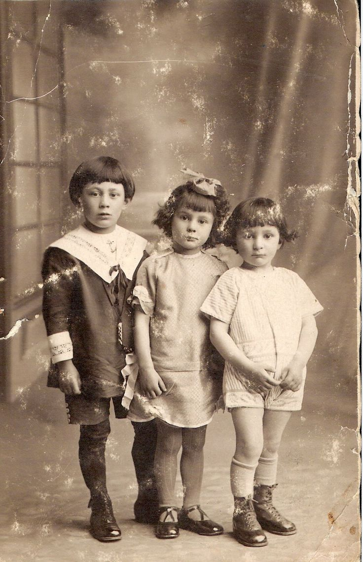 My father on the left, my aunt Orpha in the middle and my uncle Camille on the right, posing for the photographer around 1925