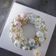 4월의 꽃으로 만들었던 해바라기케익 또 다시 세작하게되었어요 :) http://vkscl_energy.blog.me/220323735...