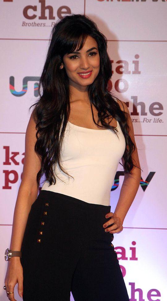 Sonal Chauhan #Bollywood #Fashion
